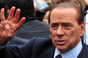 """Berlusconi: """"A dicembre congressi per ricostruire e rinnovare FI"""""""