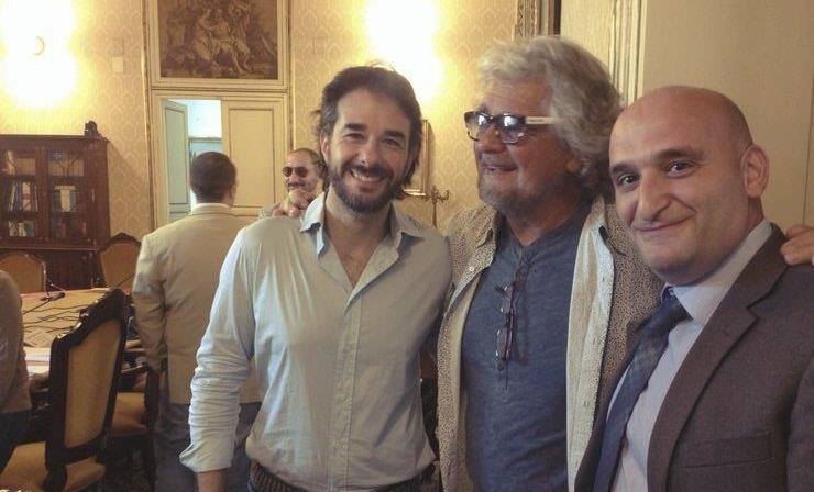 Dal palco ai palazzi del potere: Grillo incontra all'Ars i 'suoi' deputati