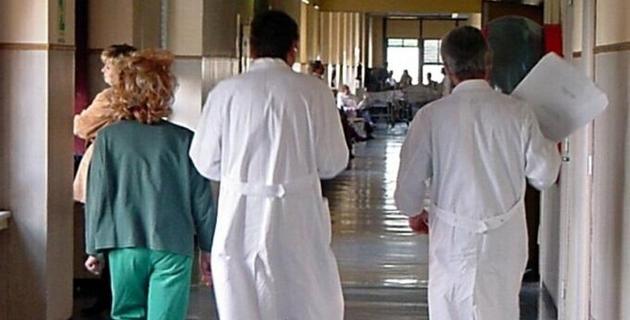 Lavora 15 giorni in 9 anni, medico ritorna in servizio