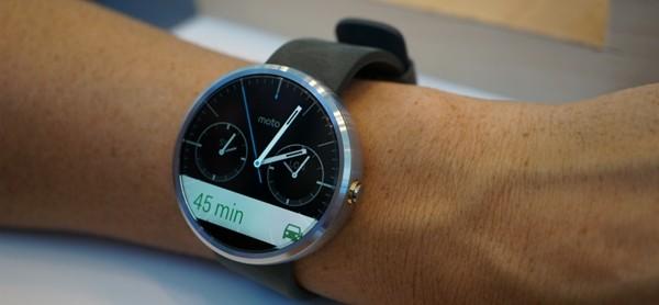 Anche Motorola ha il suo smartwatch, ecco il Moto 360