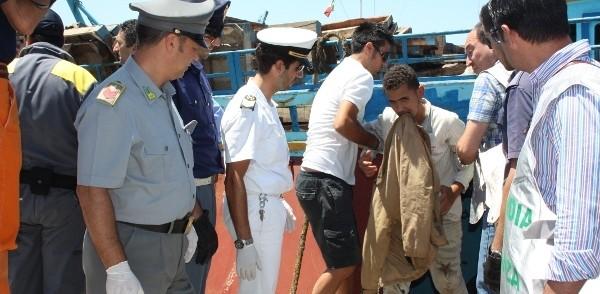 Immigrati: 1.500 soccorsi dalla Marina nel fine settimana