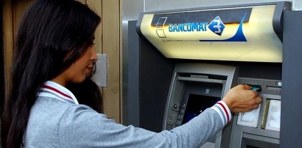 Antitrust obbliga Bancomat a tagliare la commissione del 30%