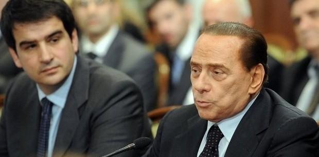 """La mossa di Berlusconi per """"frenare"""" il ribelle Fitto"""