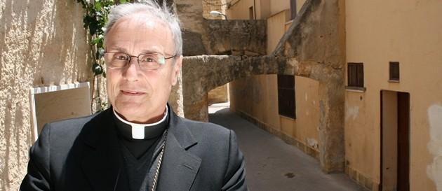 Vescovo Mazara Vallo indagato appropriazione indebita. Il legale: è estraneo ai fatti