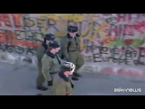 Muro di Berlino 25 anni dopo: le immagini storiche