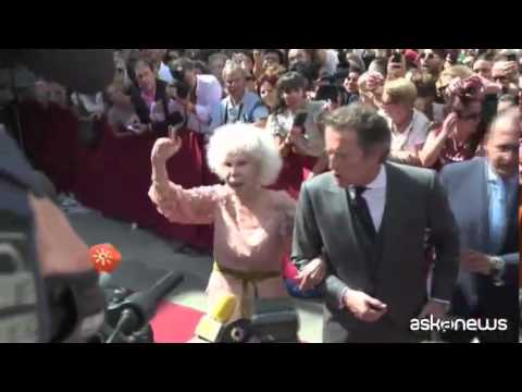 Spagna, migliaia di persone a funerali Duchessa d'Alba