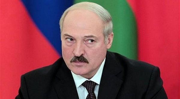 Bielorussia, Lukashenko punta a nuovo mandato e cambia governo