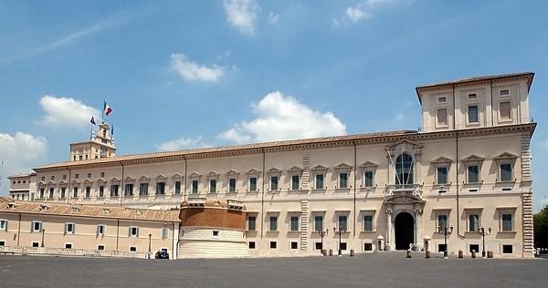 L'abbraccio del mondo politico e istituzionale siciliano a Mattarella