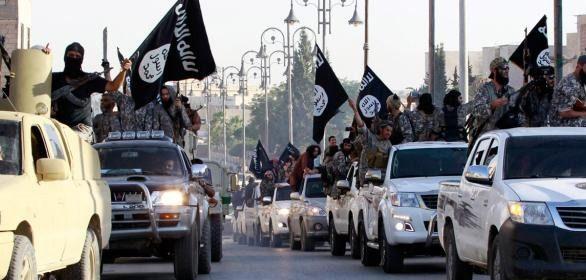Siria, giustiziate dall'Isis quasi 2.000 persone in sei mesi