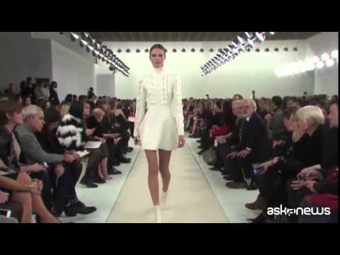 Valentino conquista New York con una sfilata in bianco