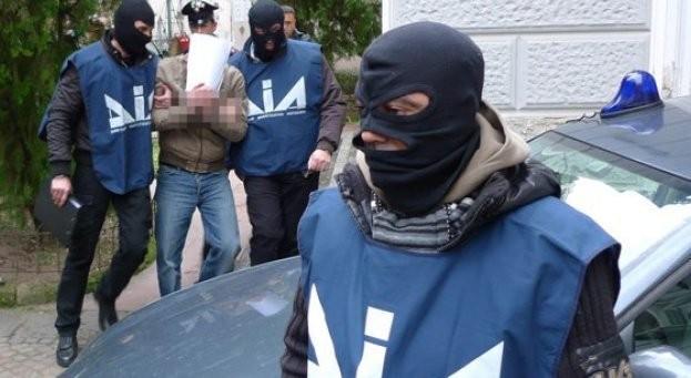 Colpo storico a 'Ndrangheta: 160 arresti anche politici