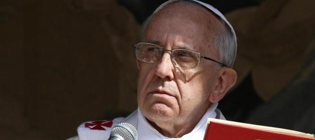 """Il Papa contro la Chiesa affarista: se un credente parla della povertà e conduce vita da faraone, questo non si può fare"""""""