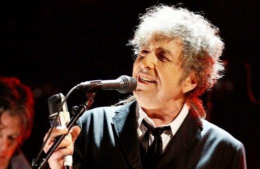 """Shadows in the night"", Bob Dylan omaggia Frank Sinatra"