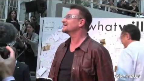 Bono dopo l'incidente: forse non potrà più suonare la chitarra