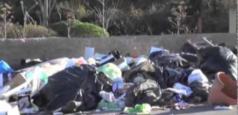 Emergenza rifiuti nel Palermitano comuni invasi dalla spazzatura (VIDEO)