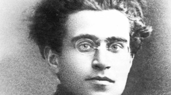 Antonio Gramsci che odiava Capodanno è virale sui social media