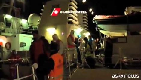 Immigrazione, due donne partoriscono due bimbi sulla nave Libra