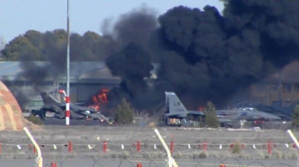 F-16 greco fa strage in Spagna, 10 vittime. 9 italiani tra i 13 feriti