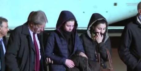 L'arrivo di Greta e Vanessa all'aeroporto di Ciampino