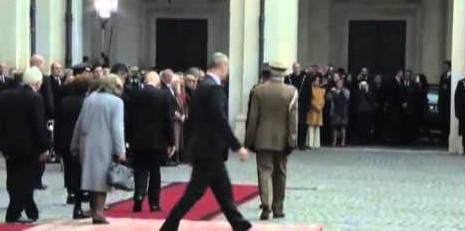 Napolitano lascia il Quirinale tra applausi e affetto della folla