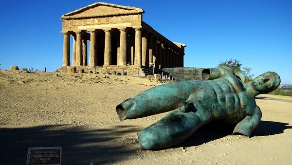 """Beni culturari in Sicilia, la gestione fa acqua. Tusa: """"La colpa è dei sindacati"""""""