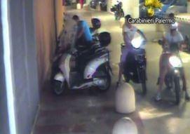 Palermo, rubavano moto e chiedevano soldi in cambio