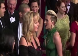 Look sul red carpet: da Moore al nuovo taglio di Scarlett