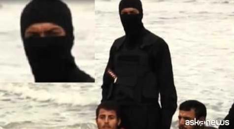 Isis, fra i boia dei 21 cristiani forse anche una donna