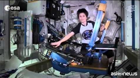 La palestra spaziale di Samantha Cristoforetti (VIDEO)