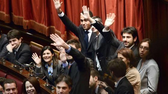 M5S adotta Mattarella: finora mai tutelati. Si può voltare pagina