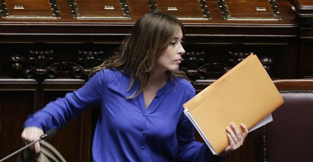 Inizia la battaglia sulle riforme costituzionali. Si dimette il relatore di Forza Italia
