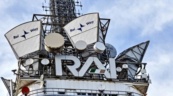 Rai Way, tra allarmi e ironie politici contro Mediaset. Tranne Forza Italia