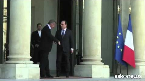 Sean Penn in visita da Hollande all'Eliseo (VIDEO)