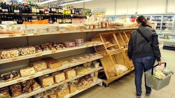 A gennaio è deflazione -0,4%. Su anno -0,6%, minimi da '59