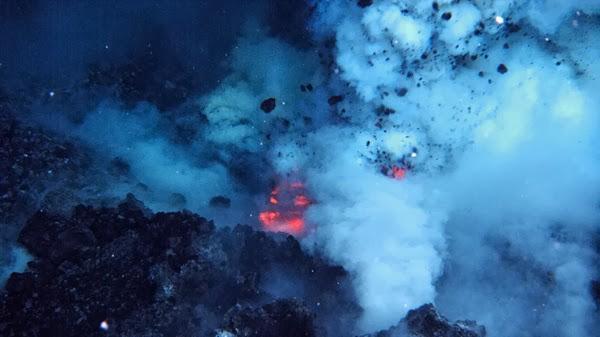 Dai vulcani sottomarini eruzioni cicliche e puntuali