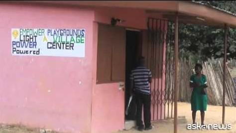 L'altalena produce energia, in Ghana la luce si accende giocando (VIDEO)