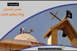 Isis rimuove croci a Mosul: bandiera nera sulle chiese (VIDEO)