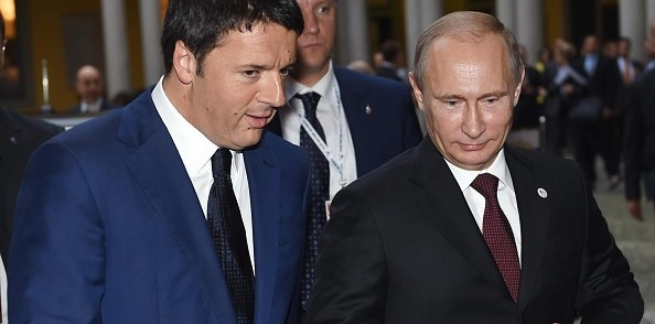 Renzi debutta al Cremlino, incassa assist Putin su Libia ed Expo (VIDEO)