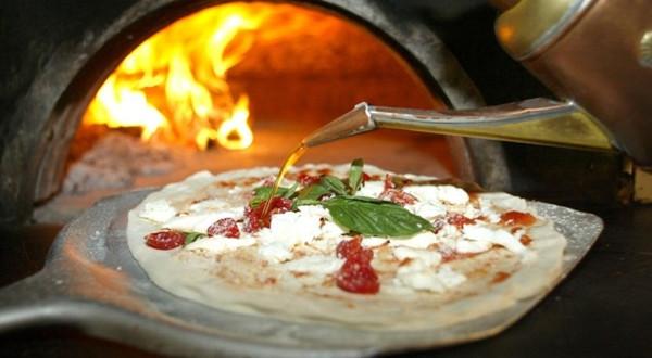 Unesco, pizza napoletana candidata a patrimonio dell'umanità