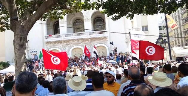 Tunisi, marcia contro il terrorismo. Renzi: non vinceranno