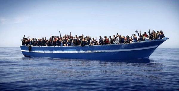 """Arciv. Monreale: """"Che senso ha bombardare barconi migranti"""""""