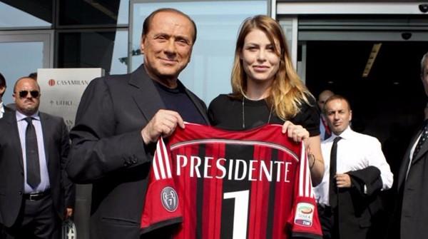 """Berlusconi pronto a cedere dopo 30 anni. """"Continuerò ad avere la maggioranza"""""""