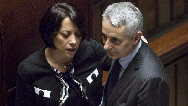 Ncd nel caos, volano stracci nel partito di Alfano. Ancora un battibecco Quagliariello-De Girolamo