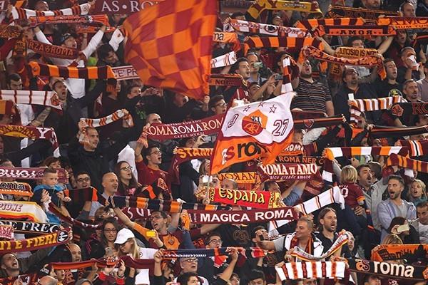 Calcio, ultrà Roma invitano a disertare lo stadio