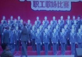 Cina, palco non sopporta 80 coristi: crollo e feriti