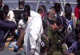 A bordo di un pattugliatore francese per soccorrere i migranti