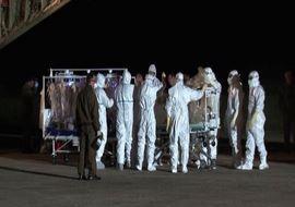 Cc130 atterra a Roma con infermiere affetto da ebola (VIDEO)