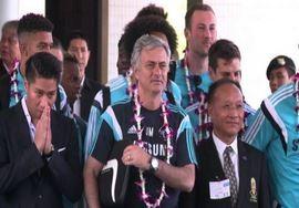 Chelsea in Thailandia, accoglienza da star per Mourinho (VIDEO)