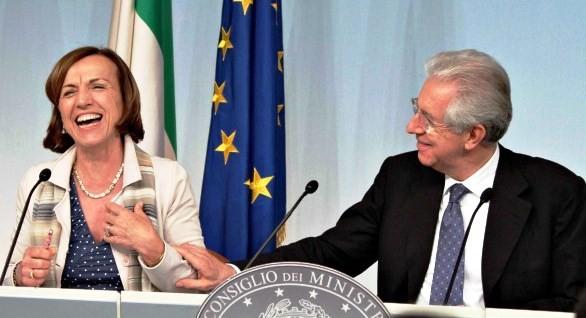 Pensioni, Monti l'ha fatta grossa agli italiani. E Renzi scarica la patata bollente a Padoan