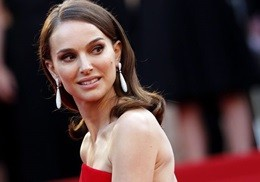 Watts, Moore, Portman e Miller, bellezza e glamour a Cannes (VIDEO)